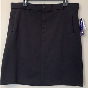 ARCHITECT black stretchy black skirt size 14.